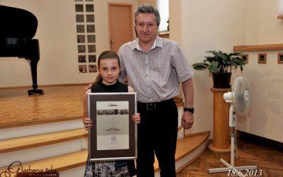 DOBITNIKI PRIZNANJA SLAVKA OSTERCA, dvorana šole, 18.6.2013 ob 18. uri